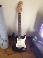 ギター買取府中市 フェンダーエレキギターの出張買取!