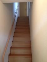 室内階段から冷蔵庫搬出