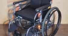 アクトモア ヴィーボ 自走式車椅子 介助用車イス