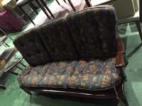 日野市にてカリモクのソファを出張買取いたしました。