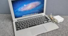 Apple MacBook Air MC968J/A Core i5 1.6GHz 4GB Mid2011