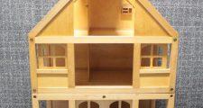 ボーネルンド3階建てドールハウス