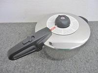 世田谷区にて フィスラー VITAVIT 圧力鍋 4.5リットル を店頭買取致しました