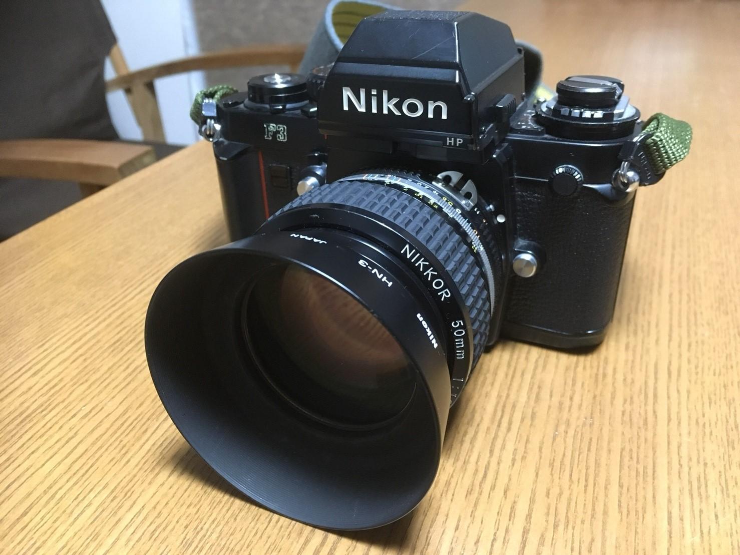 カメラ F3