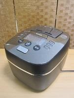 世田谷区にてタイガー 炊飯器 JKX-S100-KMを買取ました