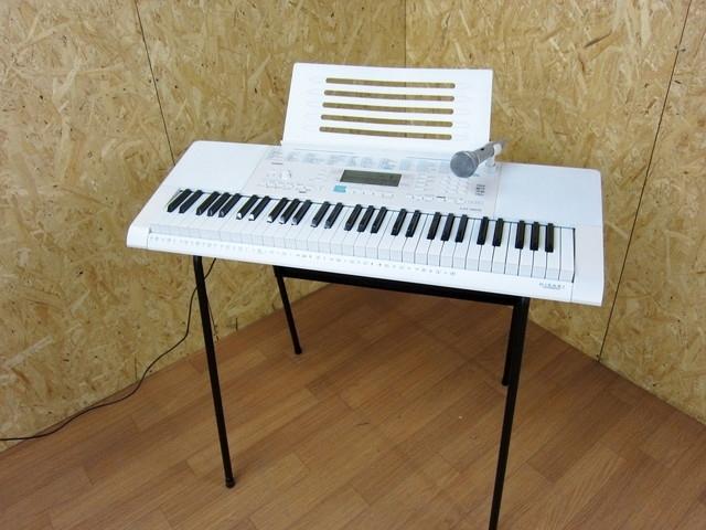 世田谷区にて カシオ 61鍵盤 光ナビゲーション 電子キーボード LK-223 譜面台 マイクセット を買取ました