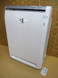 八王子市にて ダイキン 空気清浄機 MC75N-W を出張買取しました