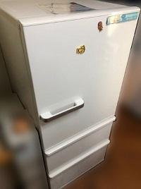 厚木市にて 冷蔵庫 アクア AQR-27G(W) を出張買取しました
