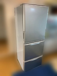 多摩市にて シャープ 冷蔵庫 SJ-W351C-S を出張買取しました