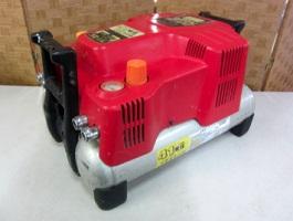 川崎市にて MAX エアコンプレッサー AK-HL1210E を店頭買取しました