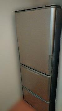 世田谷区にて シャープ 冷蔵庫 SJ-WA35A を出張買取しました
