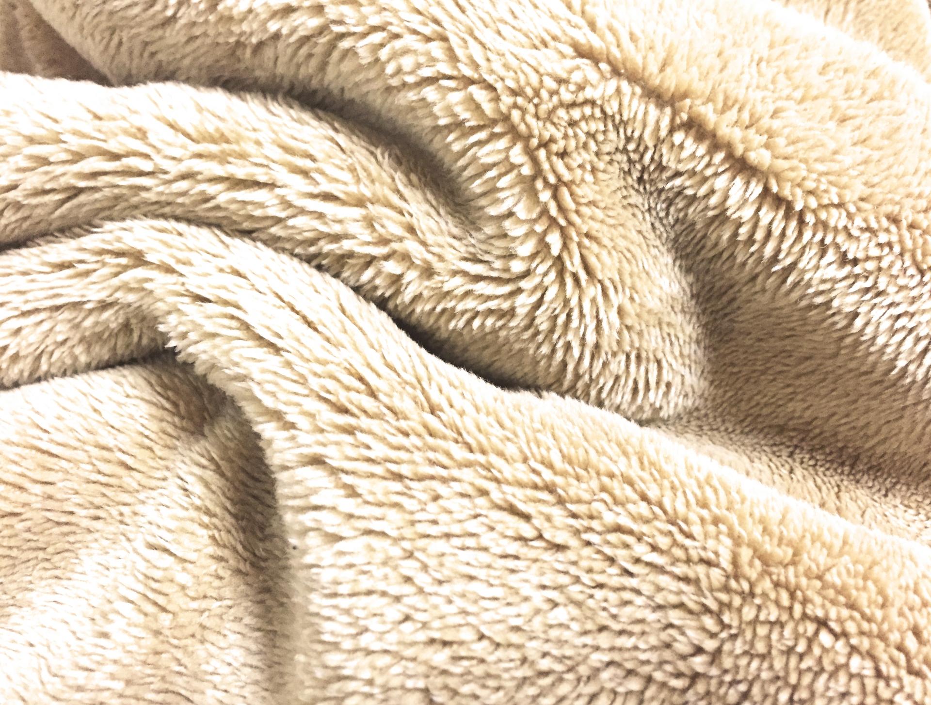 【毛布 買取】中古でも売れる毛布とは?処分する前に知っておきたいこと