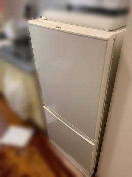 世田谷区にて アクア 冷凍冷蔵庫 AQR-16G を出張買取しました