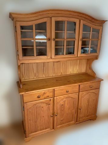 多摩市にて フランスベッド TICA 食器棚 を出張買取致しました