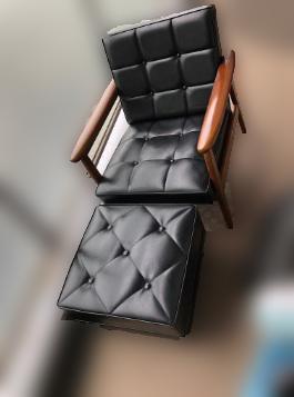 国分寺市にて カリモク60 Kチェア ブラック オットマン付き を出張買取しました