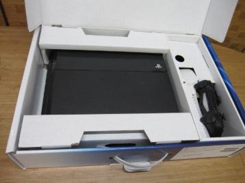 相模原市にて SONY PlayStation4 First Limited Pack CUH-1000A を出張買取しました