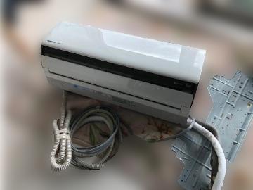 国分寺市にて パナソニック エアコン CS-402CXR2 を出張買取しました