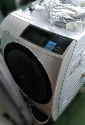 世田谷区にて 日立 ドラム式洗濯乾燥機 BD-ST9600Lを出張買取致しました