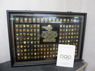 相模原市にて オリンピック ピンバッヂセット 証明書付き を出張買取致しました
