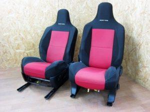 トヨタIQ GAZOO ガズーレーシング 限定シート カバー付き 運転手・助手席セット
