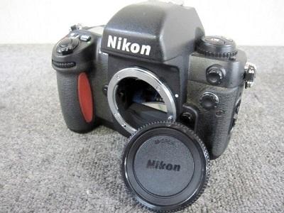 厚木市にて NIKON フィルム一眼レフカメラ F100 を出張買取致しました