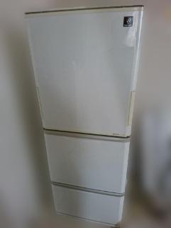新宿区にて シャープ 冷凍冷蔵庫 SJ-PW31X-W を出張買取致しました