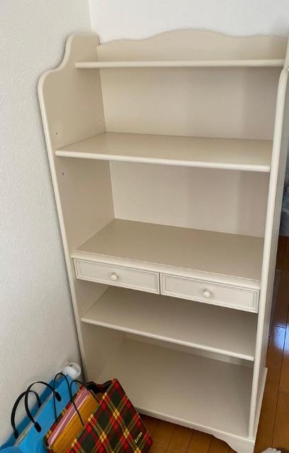 川崎市にて ローラアシュレイ 本棚 を出張買取致しました