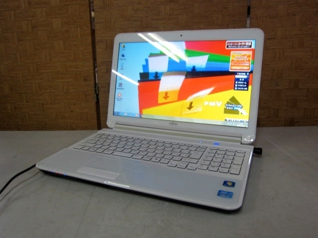 富士通 ノートPC FMVA77GW Win7 i7 2.20GHz 8GB