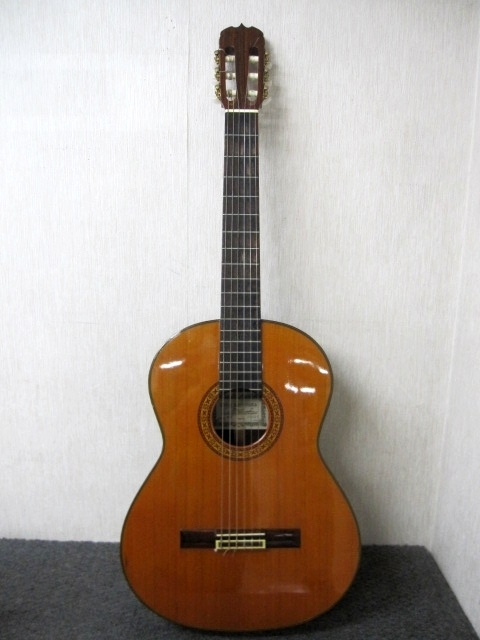八王子市にて リョウジマツオカ(RYOJI MATSUOKA)クラシックギター M30 を出張買取致しました。