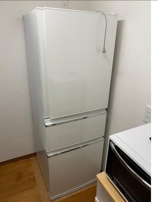 横浜市旭区にて 冷蔵庫 三菱 MR-CX33A-W 2016年製を出張買取致しました
