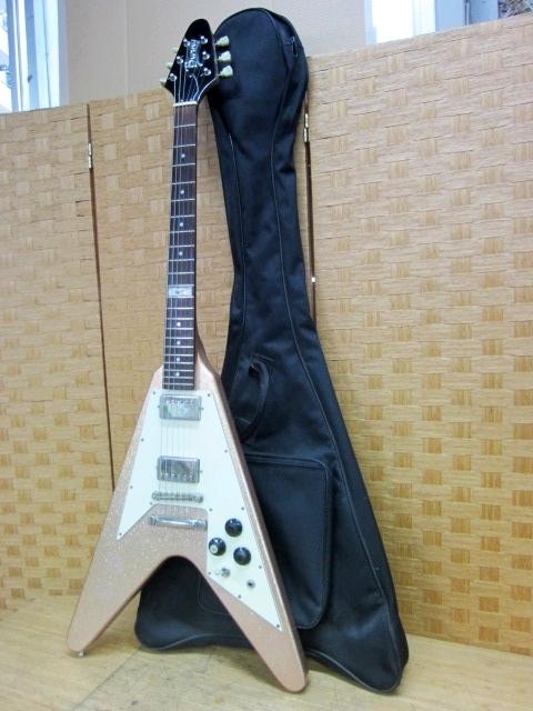 川崎市にて バーニー フライングV LV-115KK Kenモデル エレキギター を出張買取しました