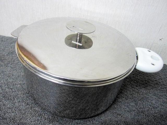 小平市にて CRISTEL グラフィット 両手鍋 24cm を店頭買取しました。