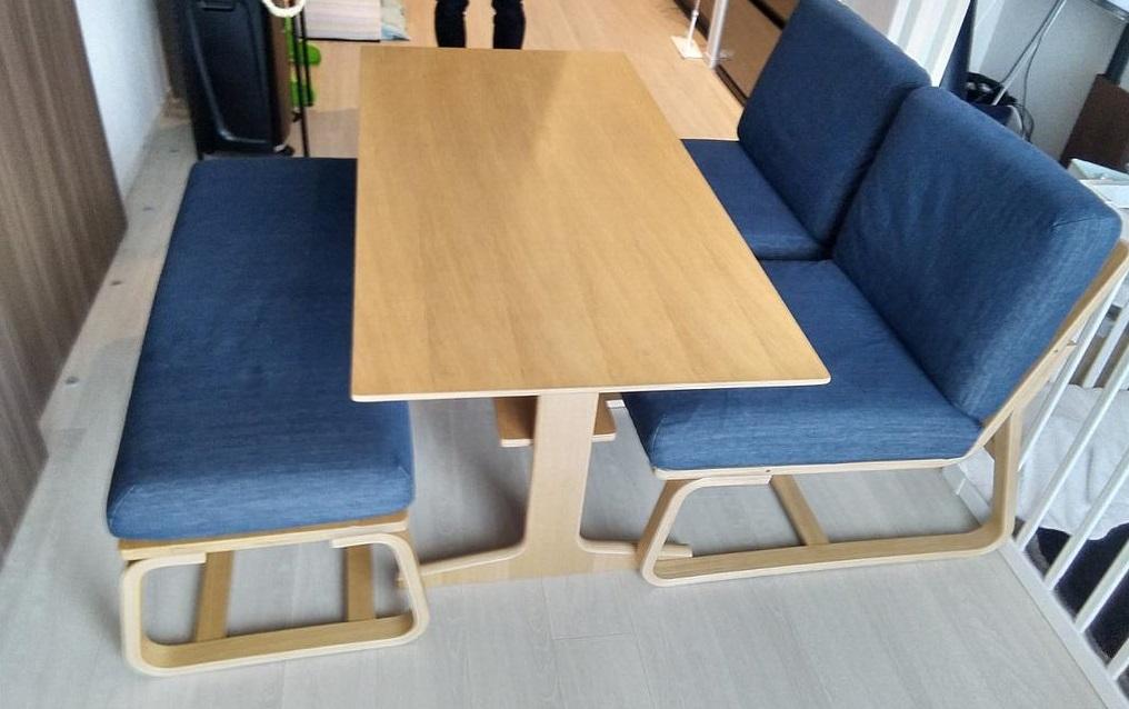 今回は、渋谷区にて 無印 ダイニングテーブル 4点セット を出張買取しました。お引越しや買い替えなどでご不要になった家具がございましたら、アシストまでお問合せください。