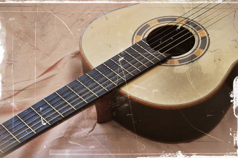 【アコースティックギター 買取】アコギは古くても高値で売れる!?