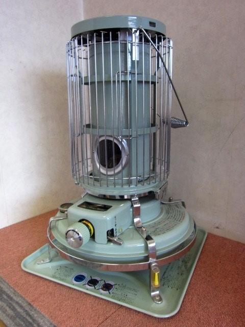 東京都世田谷区にて 未使用 アラジン ブルーフレームヒーター 石油ストーブ BF3902-1 を店頭買取しました