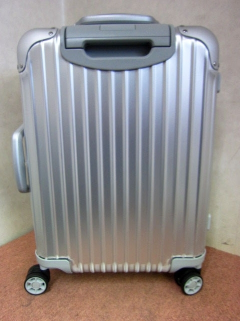 東京都 世田谷区にて リモワ オリジナル  キャビンS 4輪スーツケース を店頭買取しました