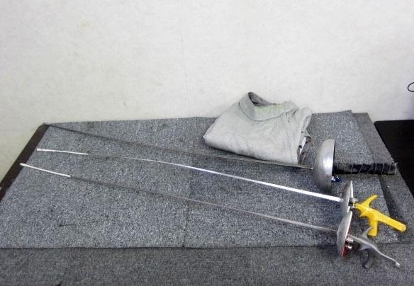 東京都 世田谷区にて フェンシング サーベル3本/メタルジャケットセット Leon Paulなど を店頭買取しました