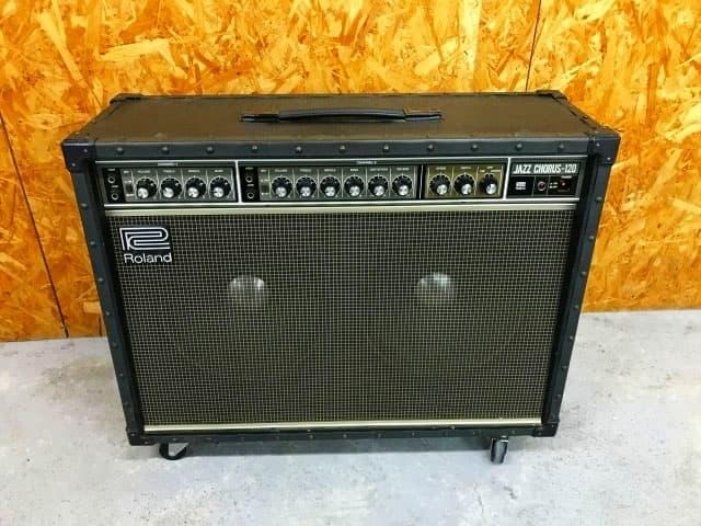 神奈川県 横浜市 旭区にて Roland ギターアンプ Jazz Chorus JC-120J を出張買取しました
