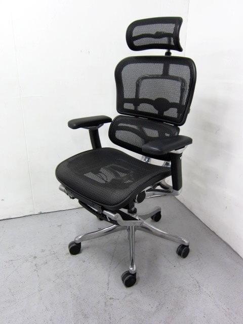 厚木市にて エルゴヒューマン プロ オットマン内蔵型 オフィスチェアを出張買取しました