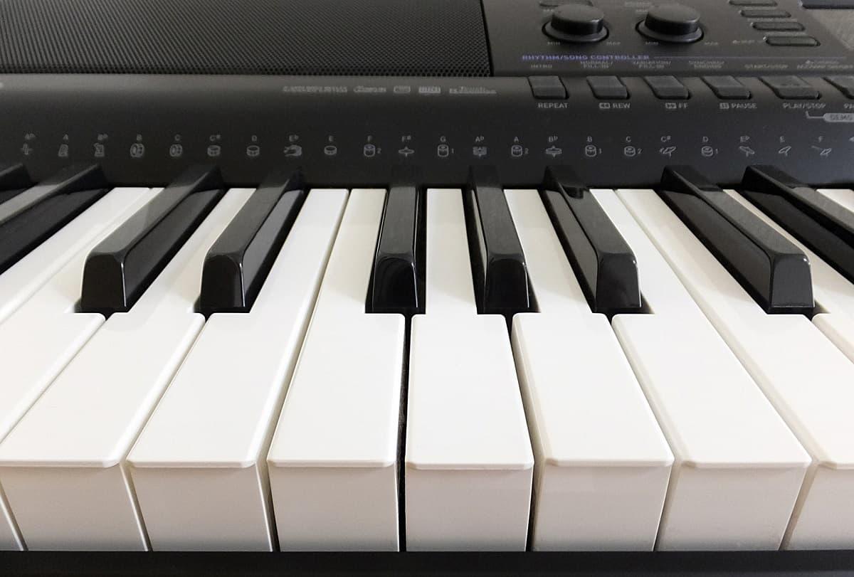 リサイクルショップで買取してもらえる電子ピアノの条件は?