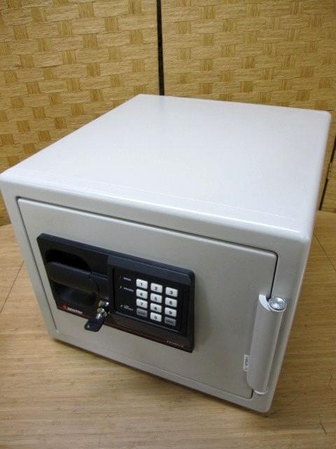 セントリー 電子ロック テンキー 耐火 金庫 W0809